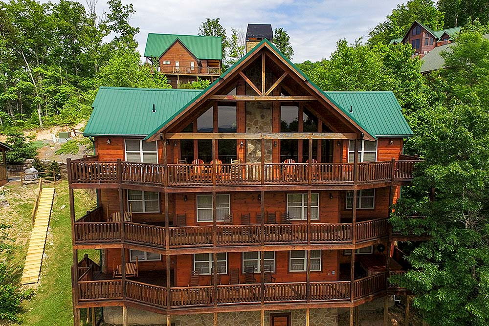 Pleasing Gatlinburg Cabins With Five Bedrooms Pigeon Forge Rental Home Interior And Landscaping Pimpapssignezvosmurscom