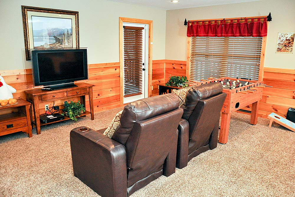 Sunset Pointe - Beautiful cabin with room for the whole family